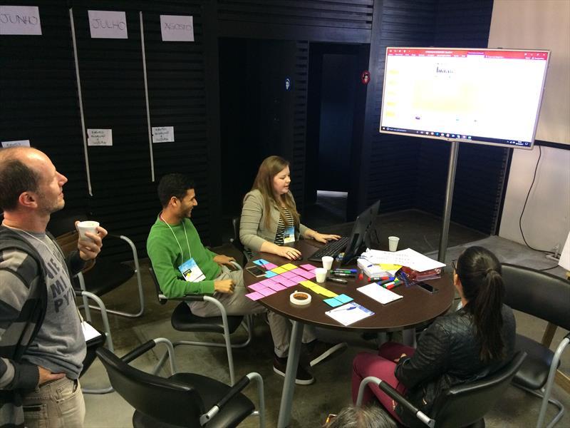Durante 4 dias membros da sociedade e especialistas deram início ao mapeamento e debate sobre a revitalização do Rebouças e Prado Velho.