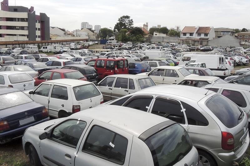 Setran promove leilão de 150 veículos