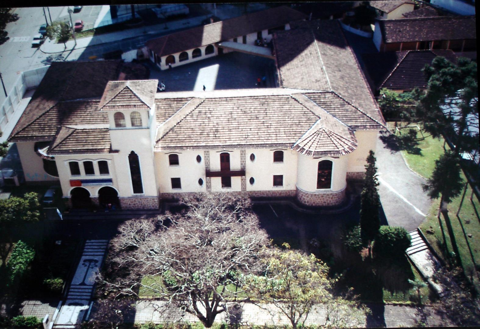 Vista da Colégio Estadual Lysimaco Ferreira da Costa, década de 2000.