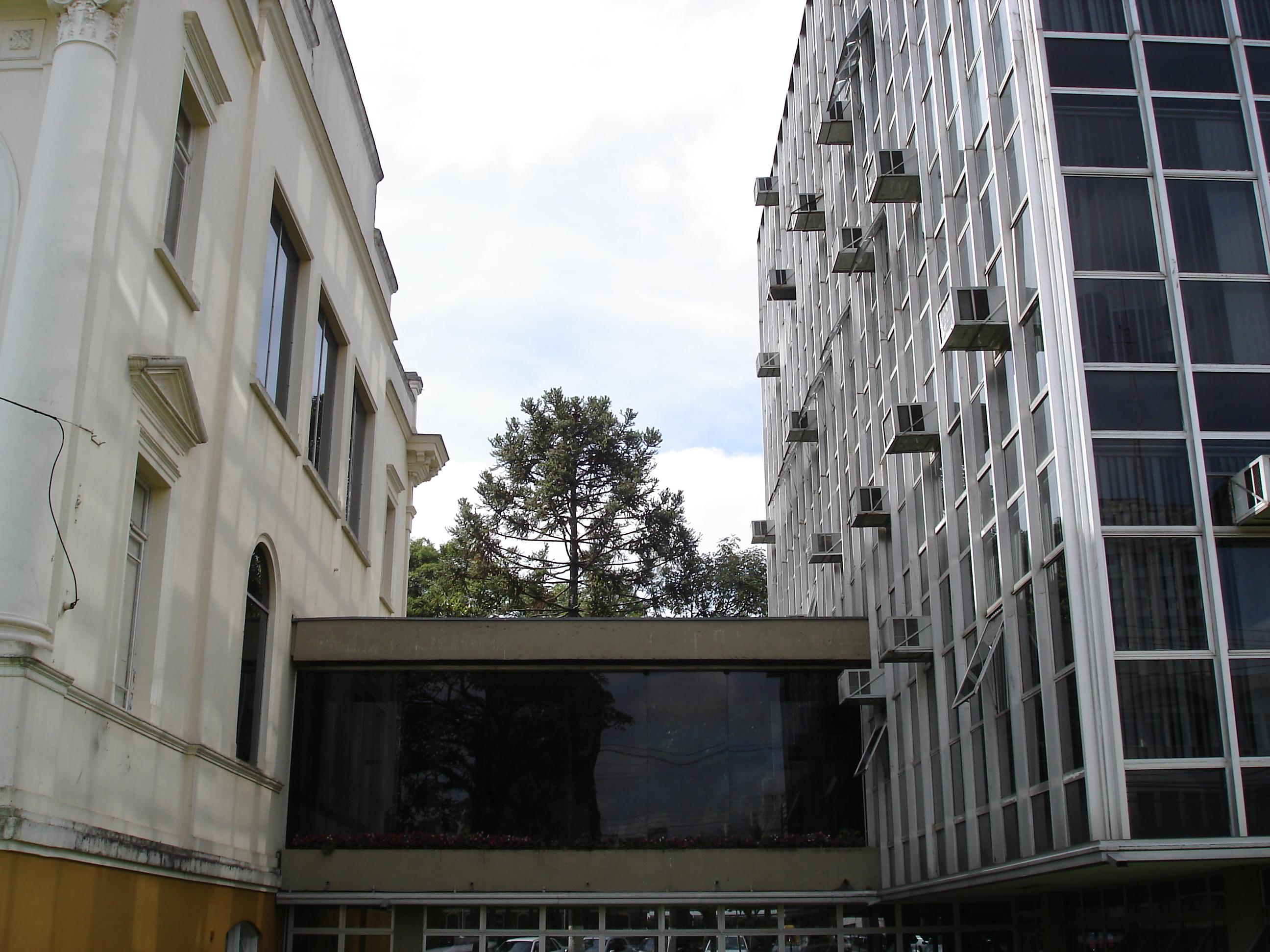 Detalhe da ligação do Palácio Rio Branco com o edifício anexo, em 2007.