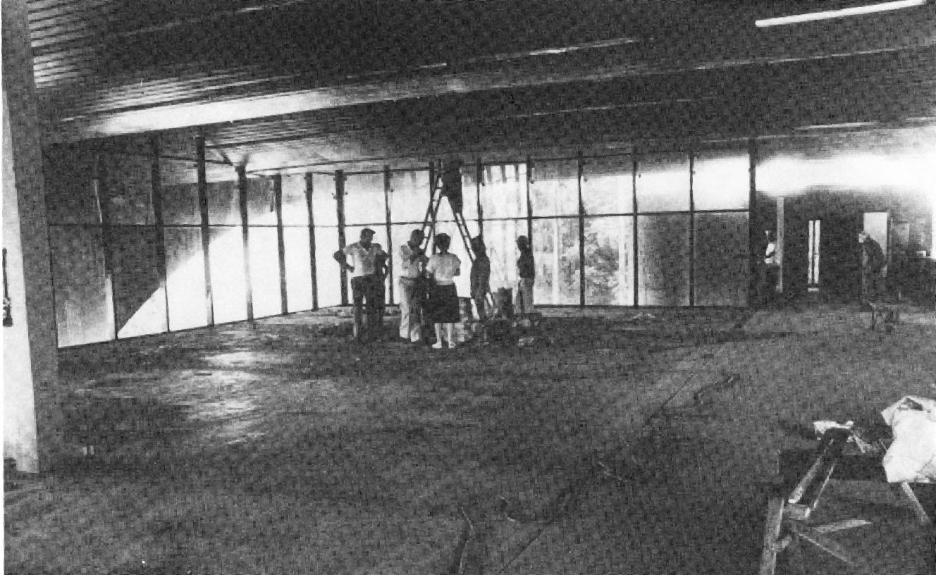 Início das obras de recuperação e reciclagem no antigo Terminal do Portão, em 1986.
