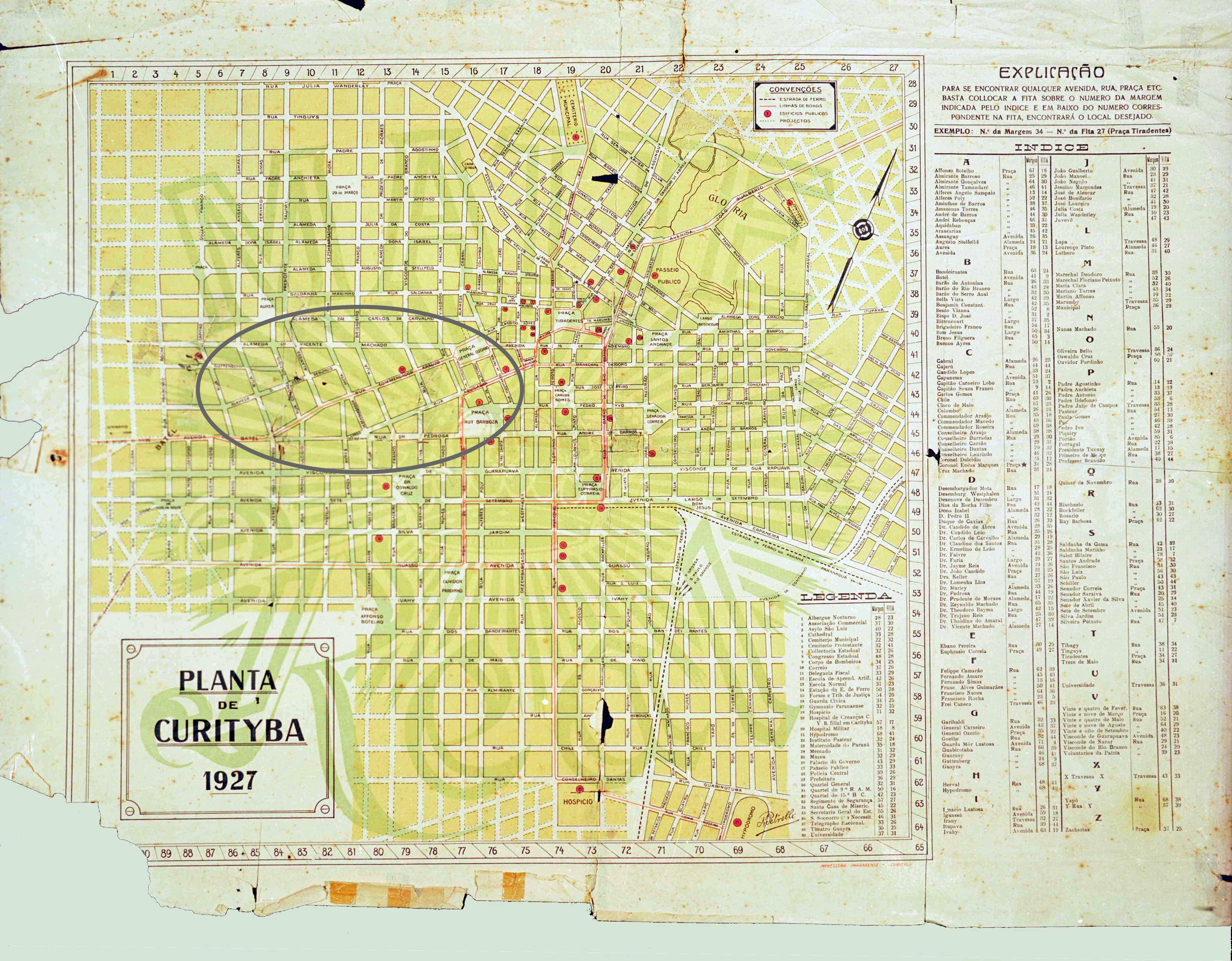 Mapa de Curitiba de 1927, com destaque para a localização da Rua Comendador Araújo. O detalhe permite visualizar que esta via está completamente integrada à malha urbana de Curitiba.